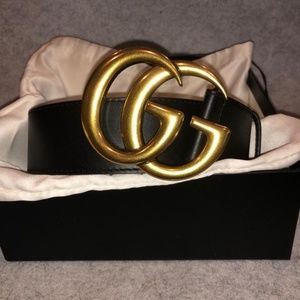 G U C C I Leather belt with Double G buckle